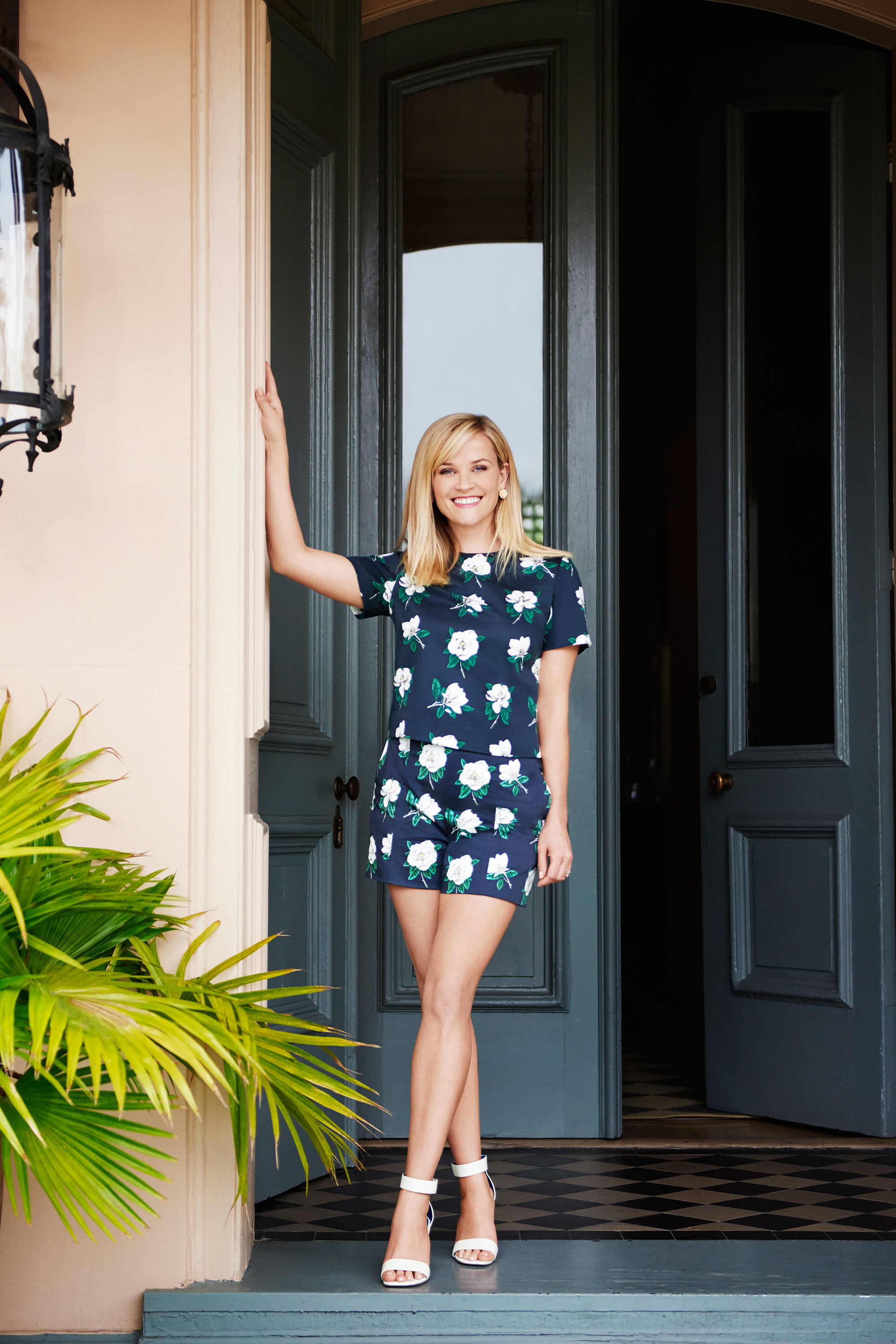 Reese Witherspoon Launches Clothing Line