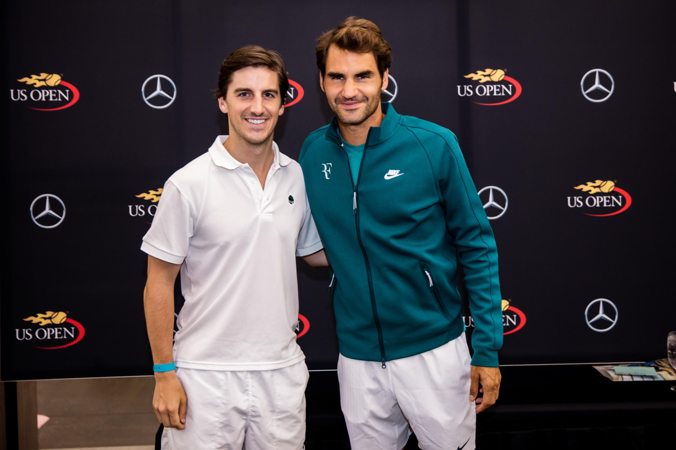 Roger federer mercedes benz tennis clinic roger federer for Roger federer mercedes benz contract
