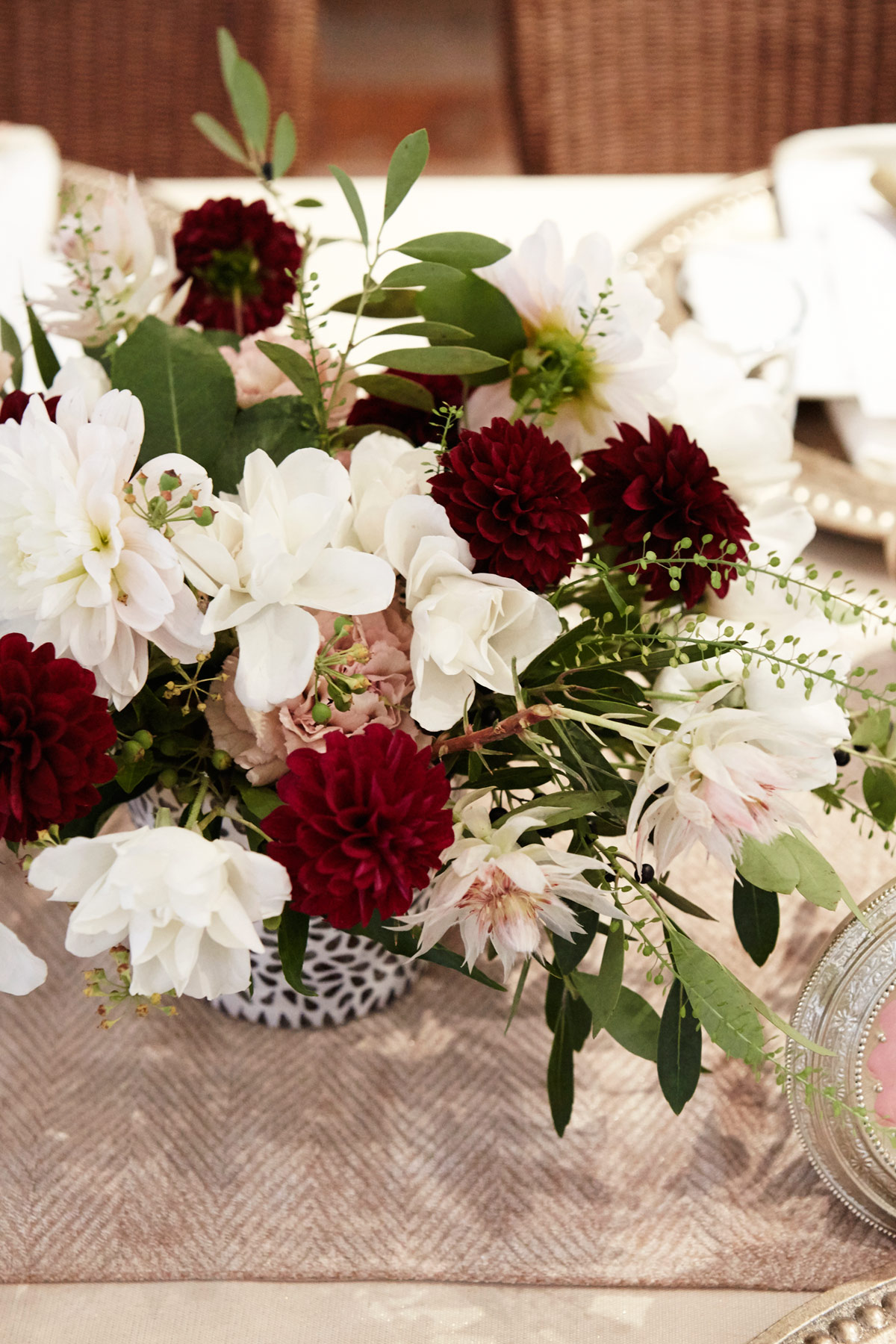 Festive thanksgiving centerpieces table