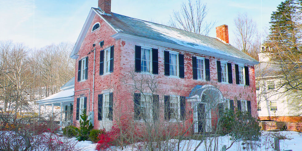 Funny farm home for sale vermont real estate listings for Vermont country homes
