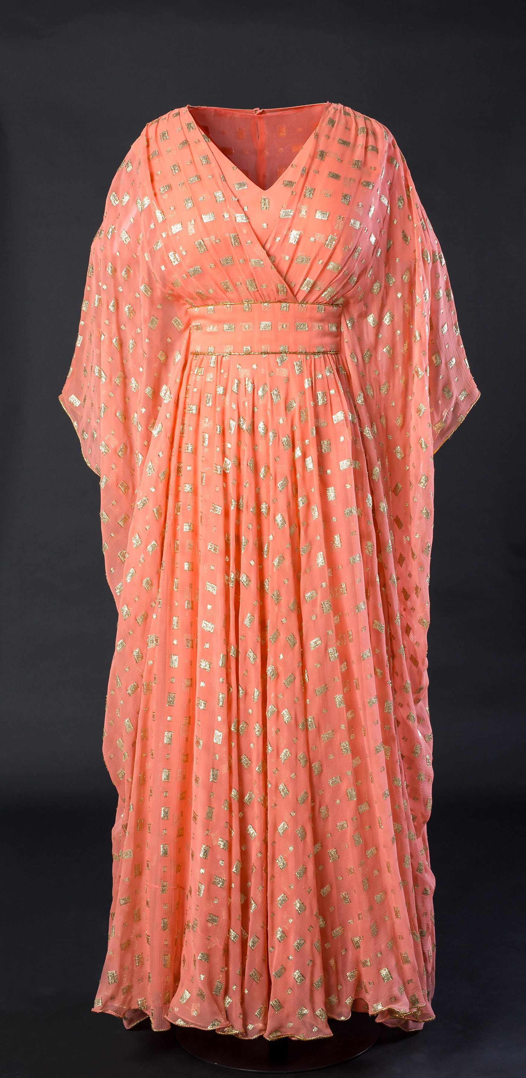 New Kensington Palace Fashion Exhibit Features Pieces From ...