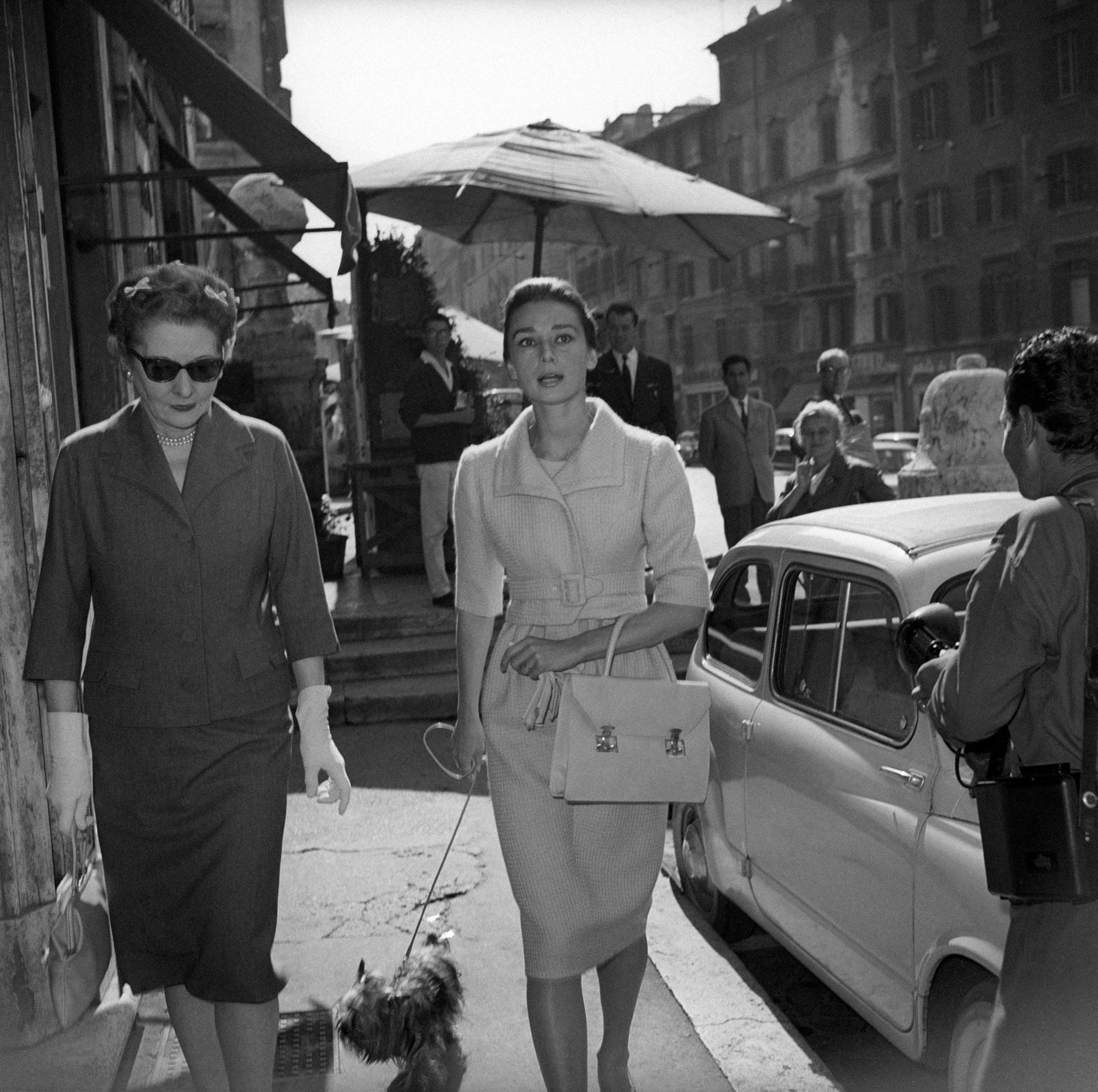 the life of audrey hepburn Audrey hepburn's first major film role made her a star in the 1953 romance roman holiday, she played a princess who runs from her duties and falls in love with a journalist played by gregory peck.