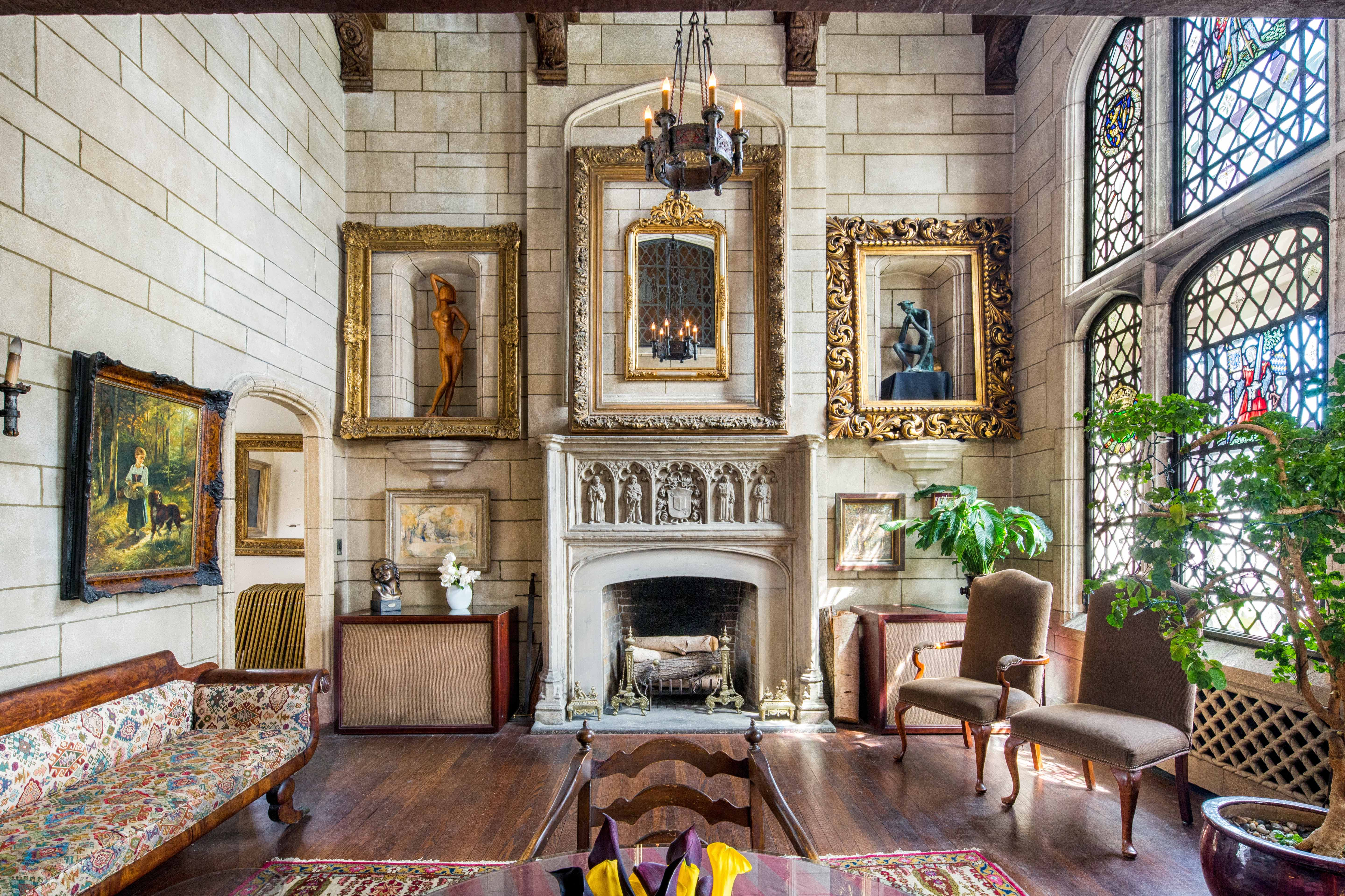 There 39 s a medieval mansion for sale in new york city for Gramercy park apartments for sale