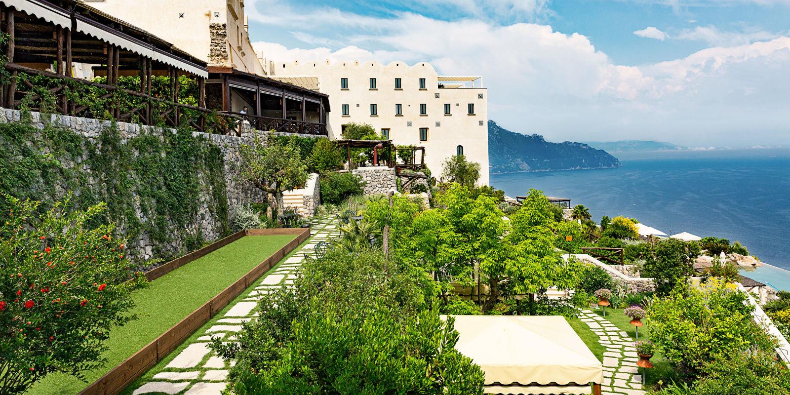 The monastero santa rosa is the amalfi coast 39 s newest five for Hotel luxury amalfi