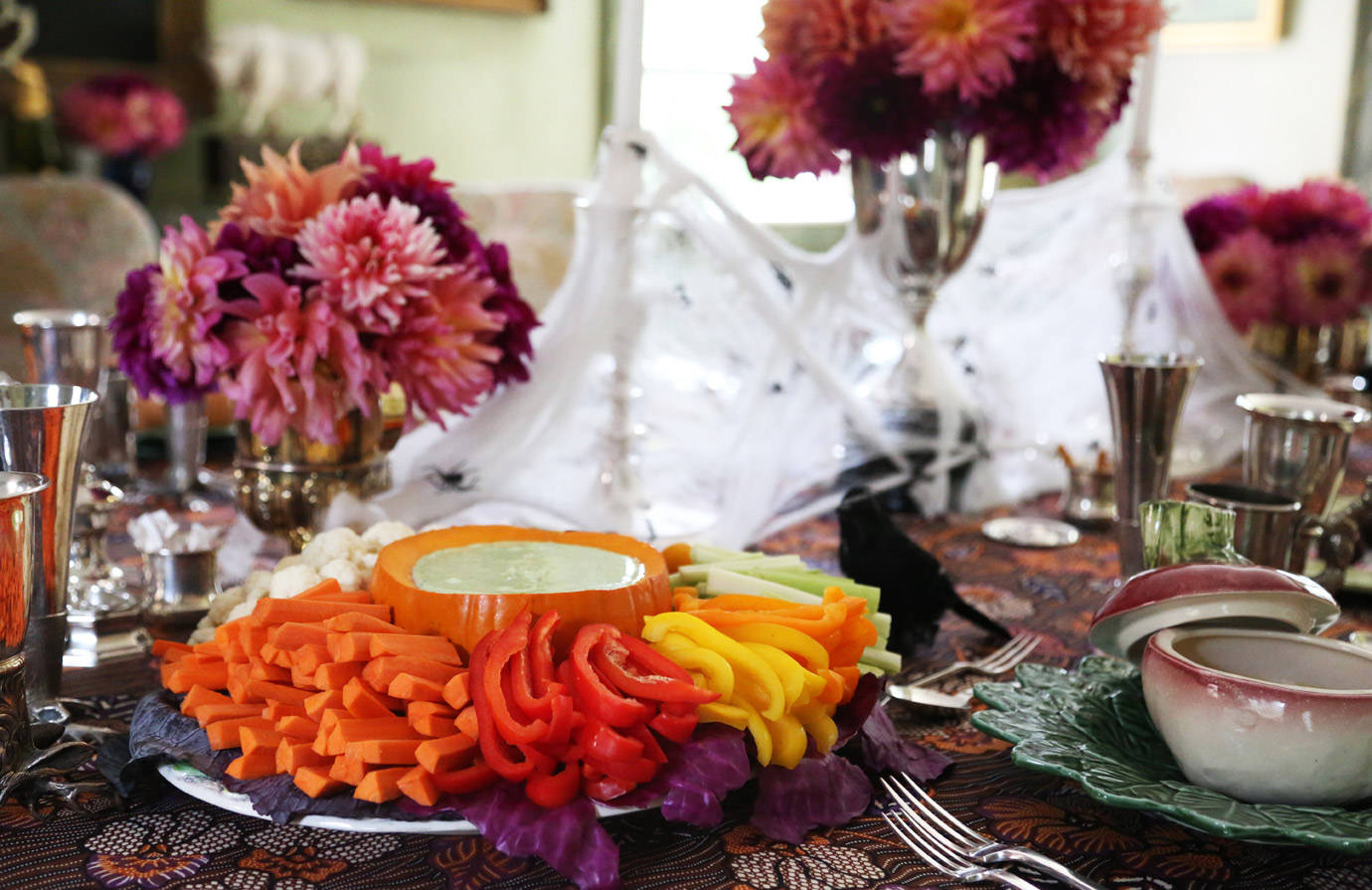 halloween dinner party recipes tips adult halloween party ideas. Black Bedroom Furniture Sets. Home Design Ideas
