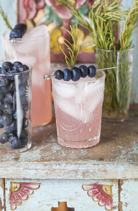 7 Delicious Mocktails for your Next Mocktail Party | Mom Spark - A Trendy Blog for Moms - Mom Blogger